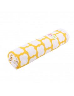 Mantita de algodón para el verano - amarilla con nubes blancas