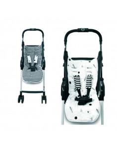 Set colchoneta Reversible + protector cinturón para silla de paseo Bambú · Bosque. Dos carros con la colchoneta y el protector.
