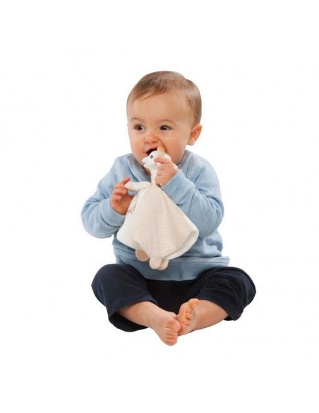 Duo Doudou 100% algodón biológico + anillo de dentición 100% hevea. Bebé mordiendo el Doudou.