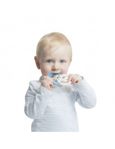 Anillo de dentición fresh de Sophie la girafe. Bebé mordiendo el anillo de dentición.