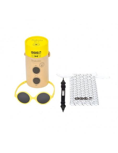 Gafas de sol para bebés de color amarillo con correa, funda y estuche.