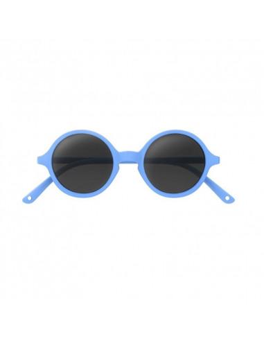 Gafas de sol azules para niños de frente.