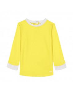 Camiseta de color amarillo para niños.