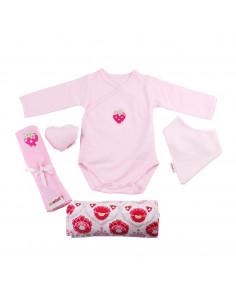 Caja de regalo Barquito (incl. body con imprimé, muselina XXL, bandana, gasa y corazoncito de tela) rosa